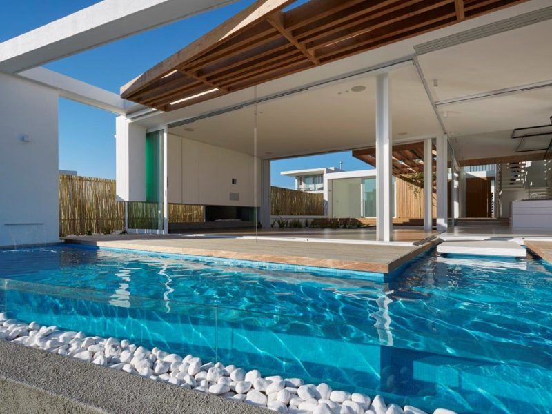 Pool situated on the waters edge in Blouberg.